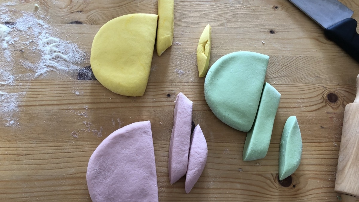 How to make colorful pasta